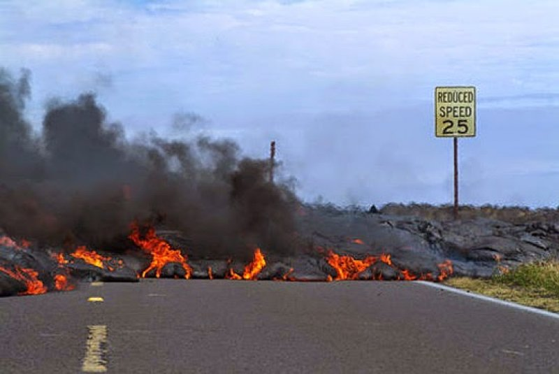 Lava flow from Hawaii volcano could last for weeks - and paper masks won't keep you safe